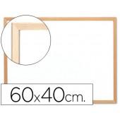 Quadro em melamina. q-connect com caixilho em madeira. 600 x 400 mm