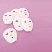Máscaras plásticas brancas - ar00696